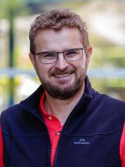 Dr Tim Hill