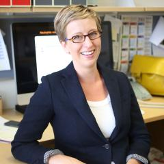 Associate Professor Kate Schroder