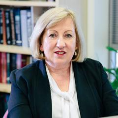 Professor Jennifer Stow.