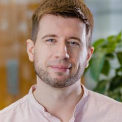 Dr Christian Nefzger