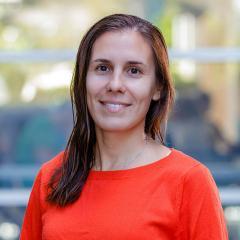 Ms Maite Amado